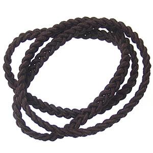 ショートヘアさんのまとめ髪が簡単にできる、三つ編みヘアバンド